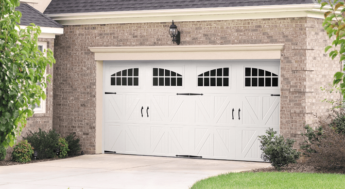 residential garage door in baypoint, ca