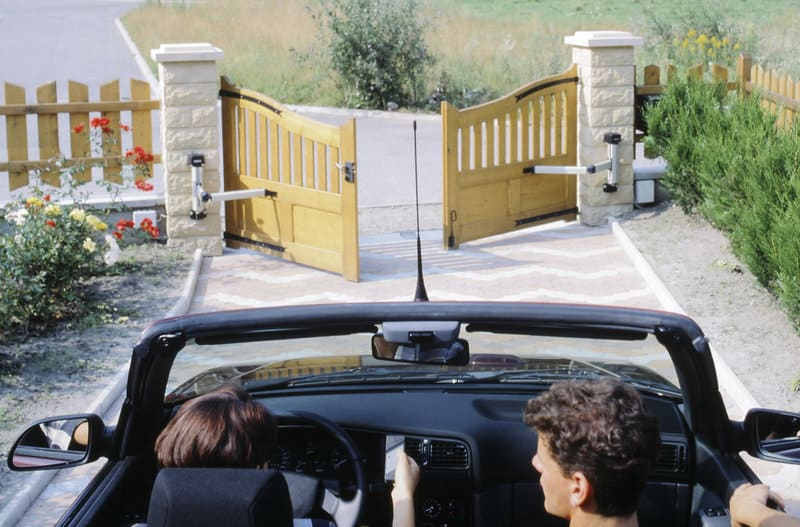choosing the perfect automatic gate for your home